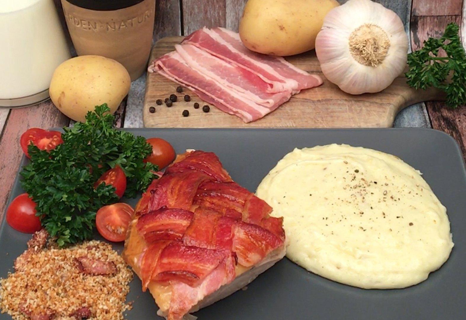 Peru com bacon recheado