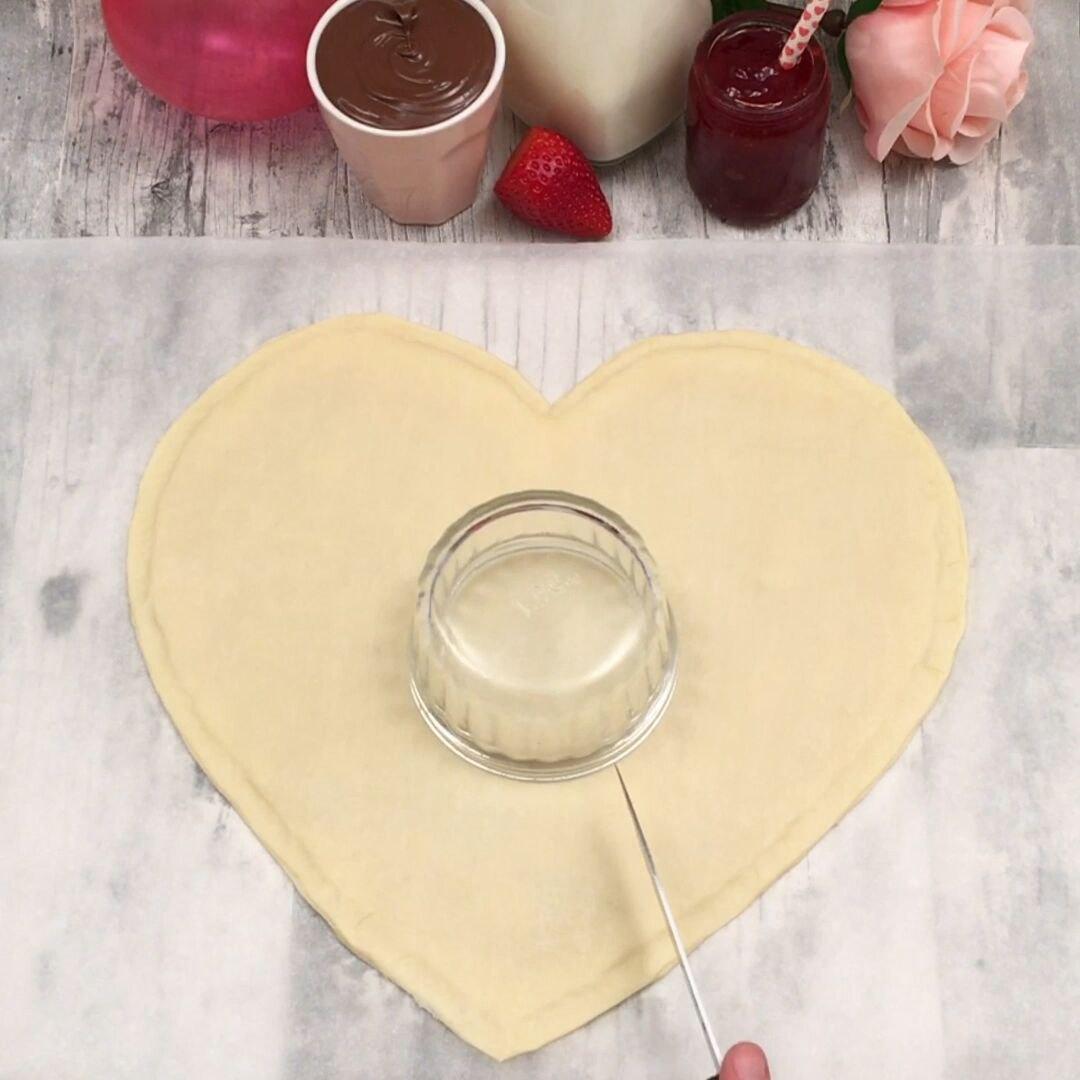 Süßes Herz mit Fruchtfüllung