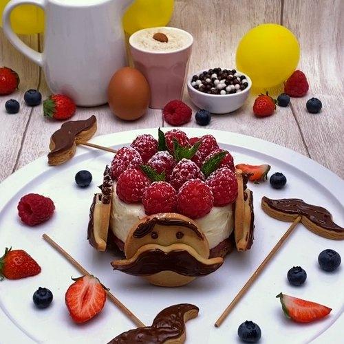 Le moustache cake