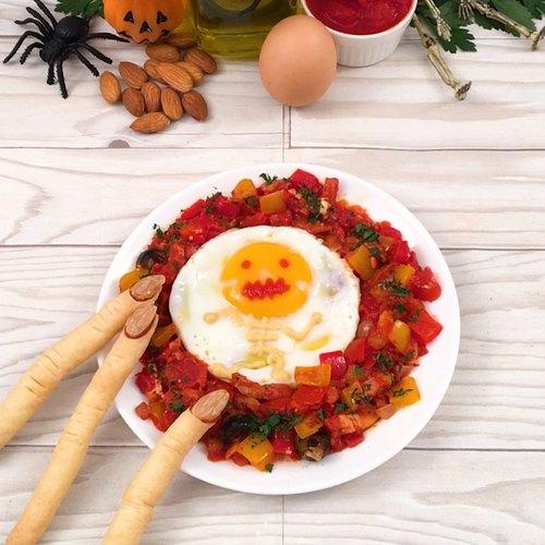 Les œufs à la tomate d'Halloween