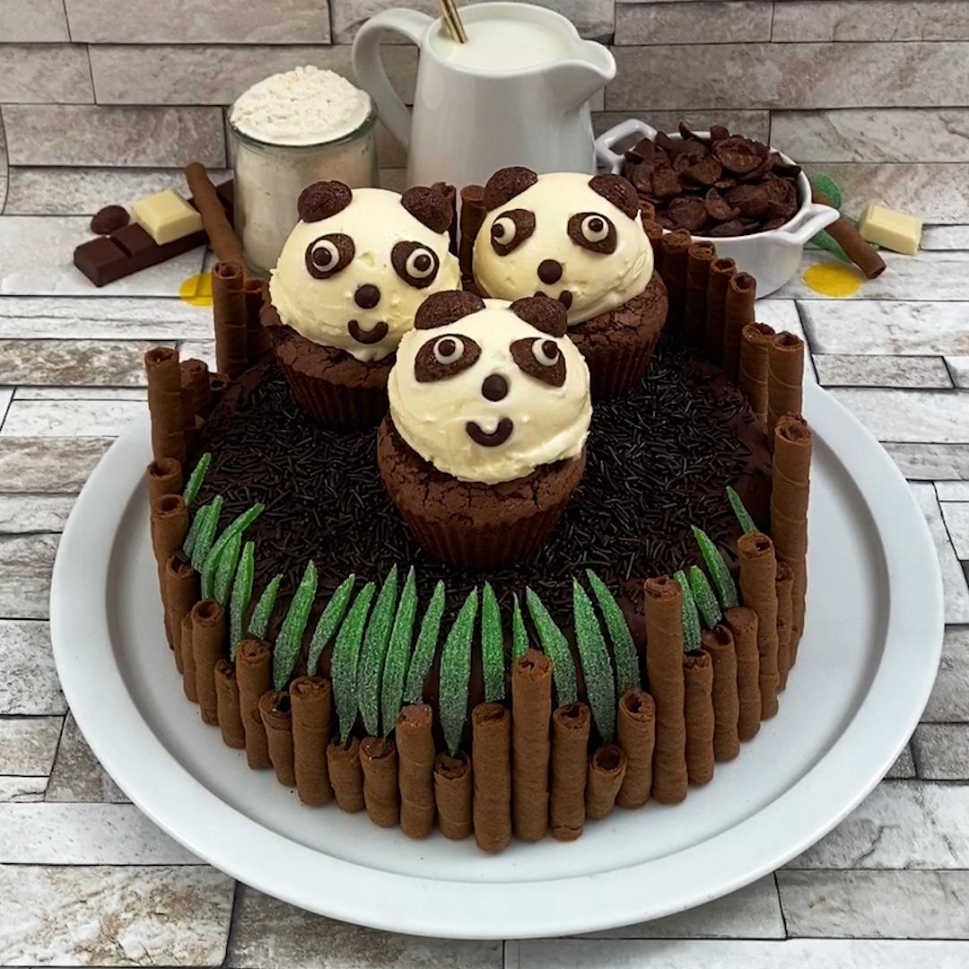 Der süßeste Panda Kuchen