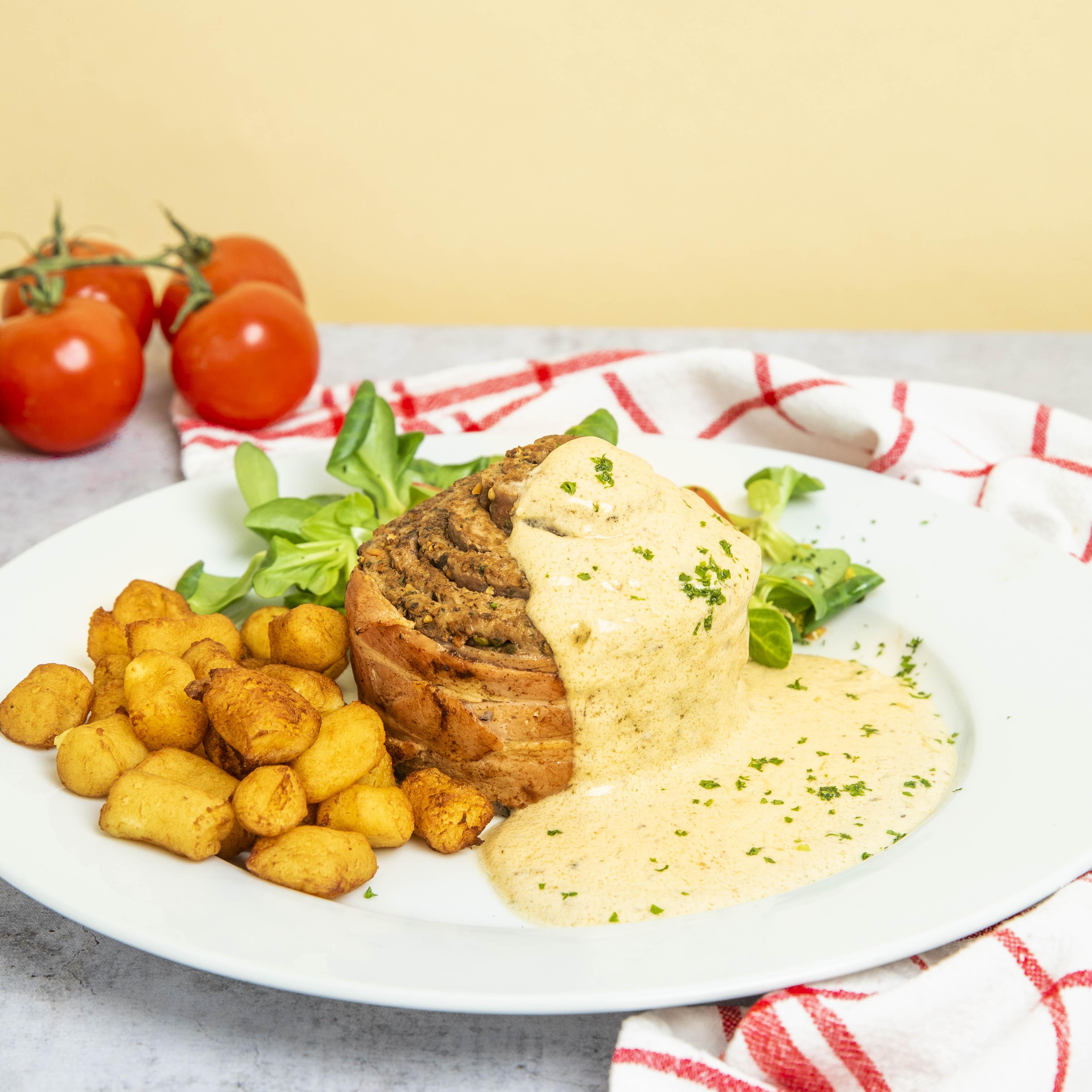 Hackfleisch-Steak mit knusprigen Kartoffeln