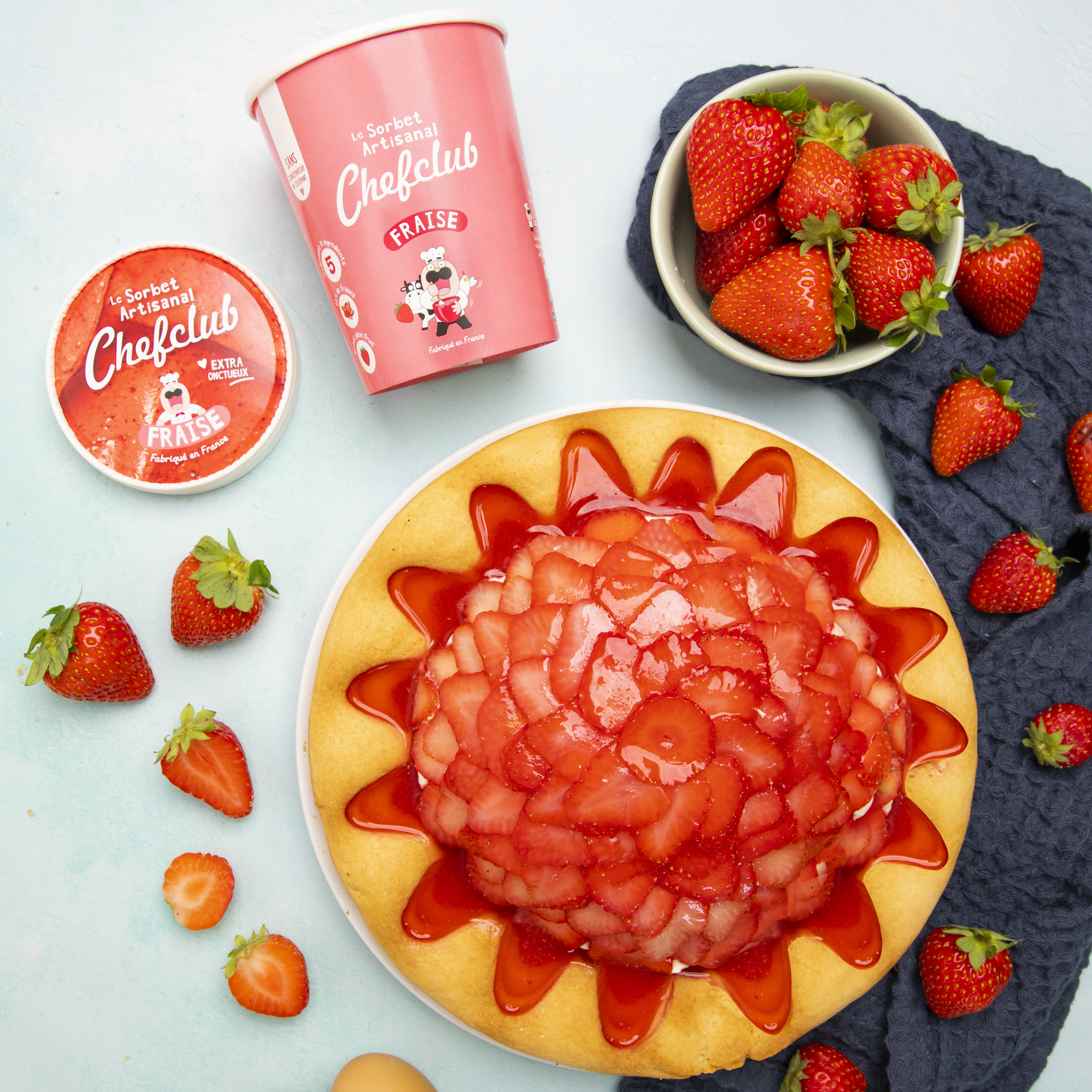 Tarte volcan givré aux fraises