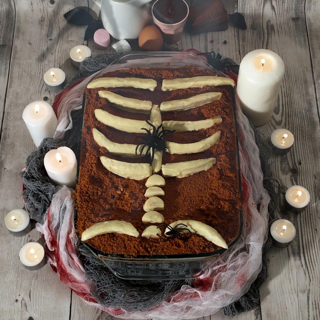 Spine-tingling Skeleton Dessert