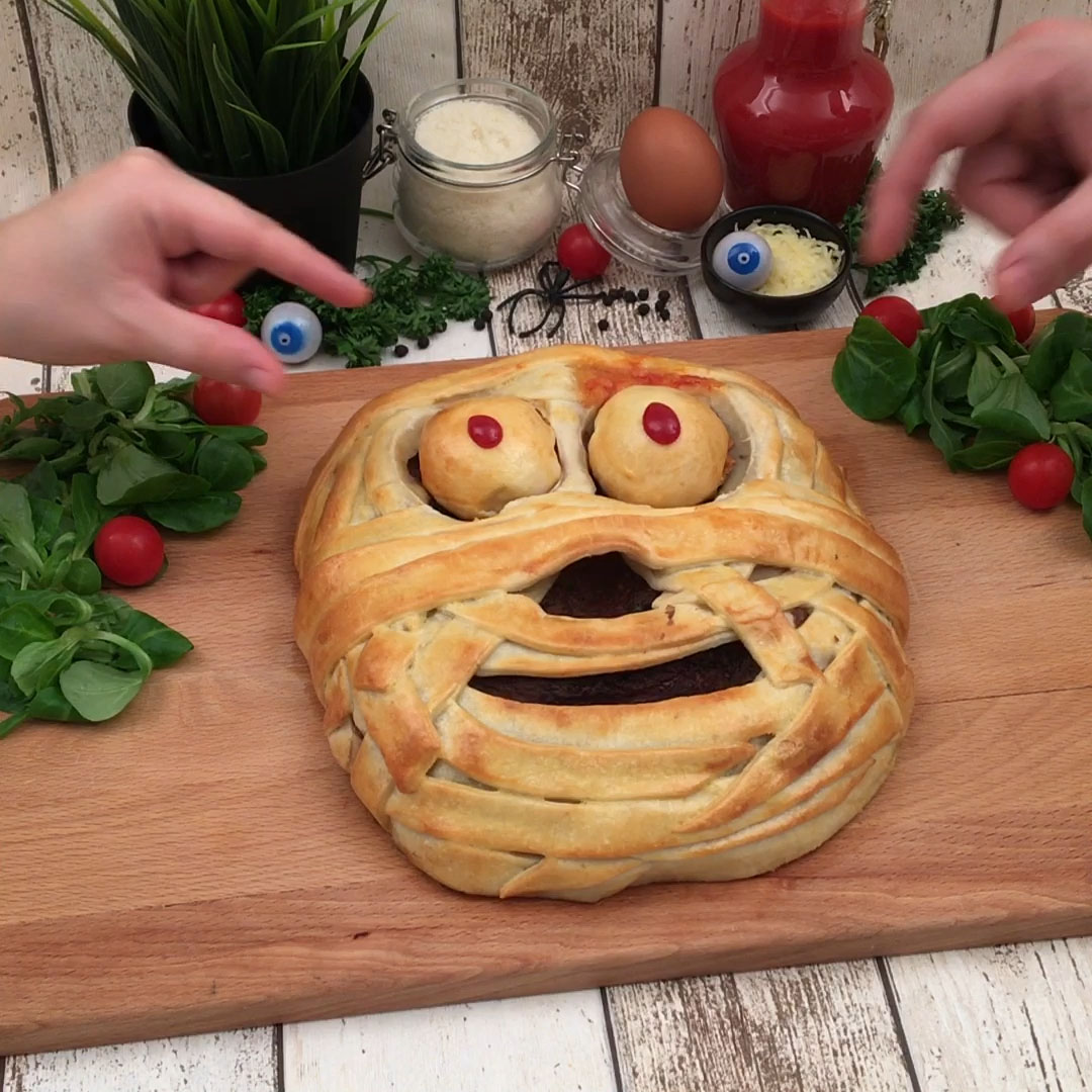 thumbnail Mummy Meat Pie